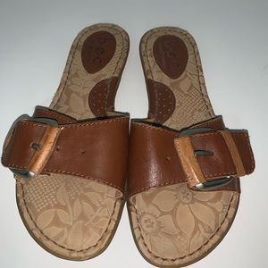 BOC brown leather sandal single strap with buckle